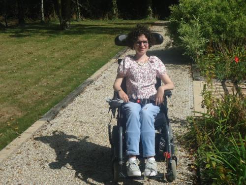 2015 -  Aménagent d'une allée pour le fauteuil  électrique : 1625€